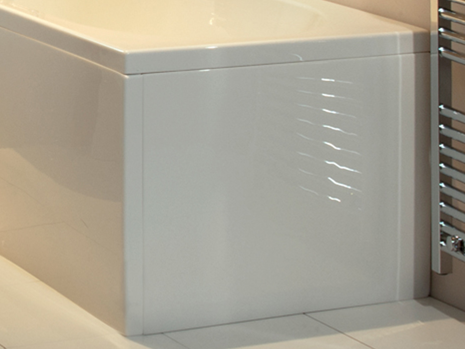 B Shape Bath End Panel 700 mm