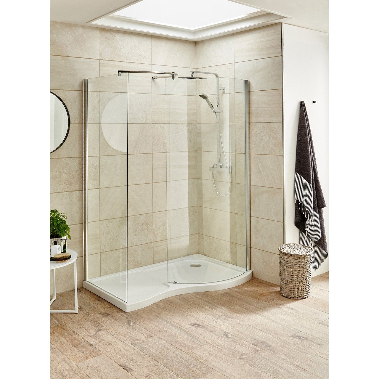Nuie Pacific 1395mm X 906mm Curved Walk In Shower Enclosure Aqw