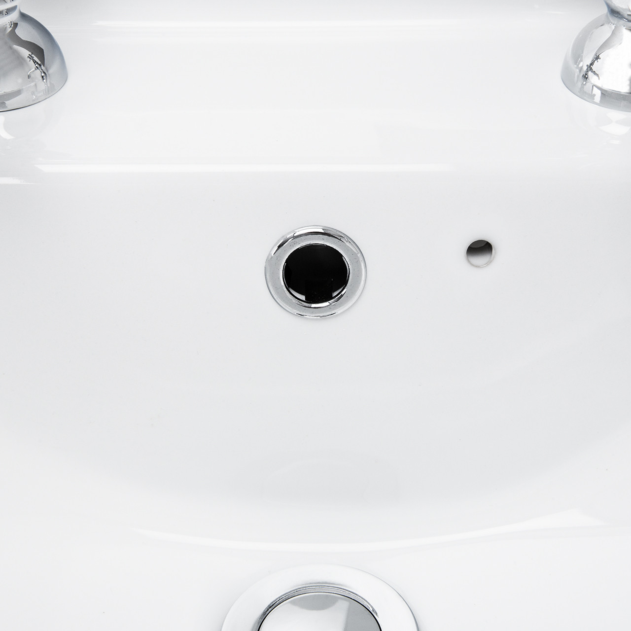 Windsor 560mm 2 Tap Hole Basin & Pedestal Detail