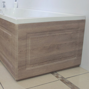 Windsor Traditional Oak 700mm End Bath Panel with Plinth