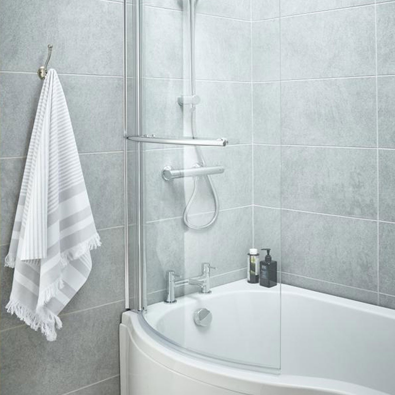 P Shape 1500mm Left Hand Shower Bath with Towel Rail Screen and ...