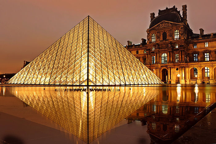 Use the toilet for free when you visit the Louvre museum
