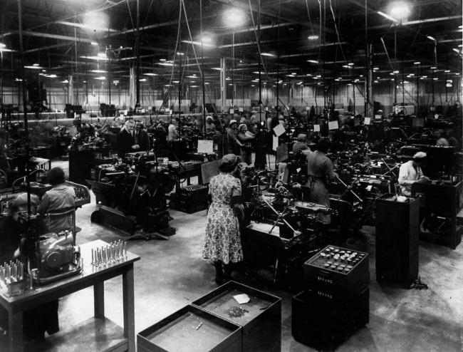 Women working at Hillinton Park during WW2